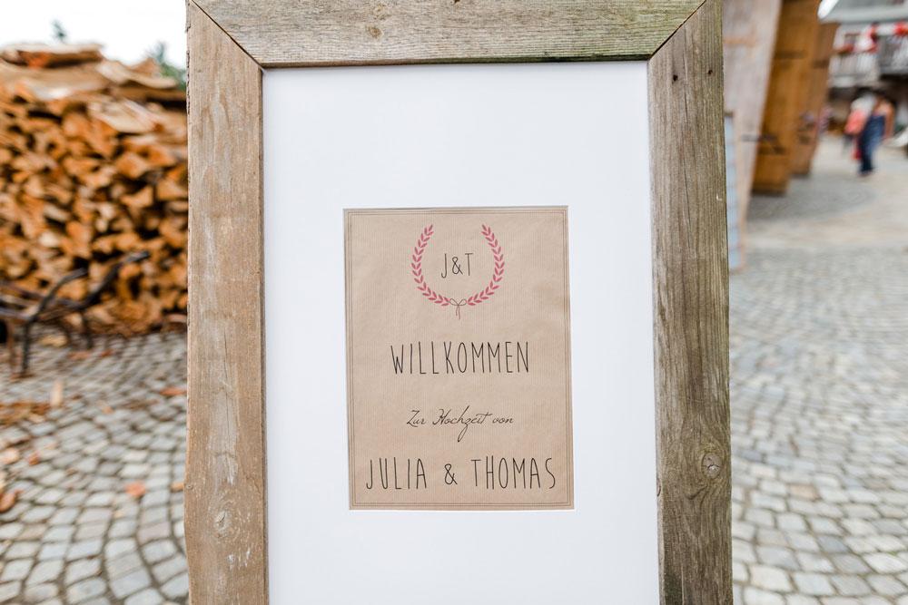 Hochzeitsreportage_Julia-Tom_Veronikaannaf_WEB-42.jpg